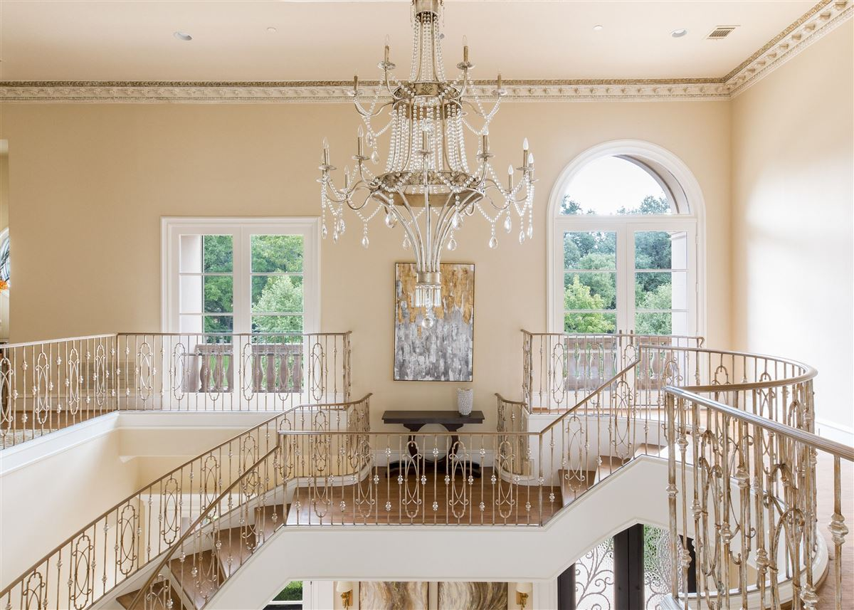 Absolutely gorgeous home in Preston Hollow luxury homes
