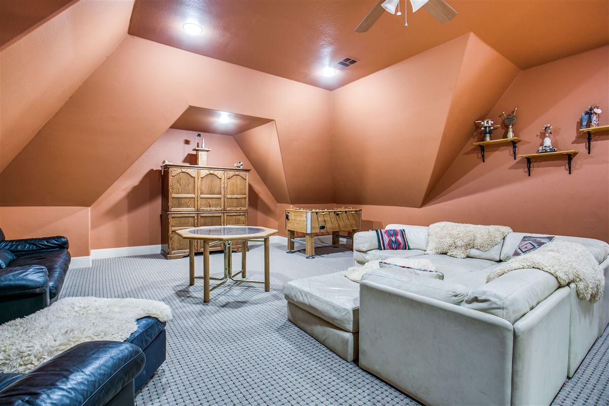 Luxury homes in Incredible custom lakefront home