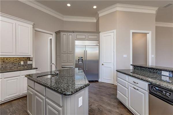 five bedroom estate in the center of Arlington mansions