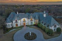 Mansions Enchanting plano estate