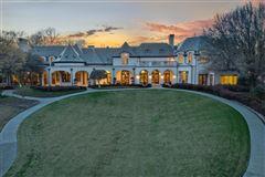 Luxury homes in Enchanting plano estate
