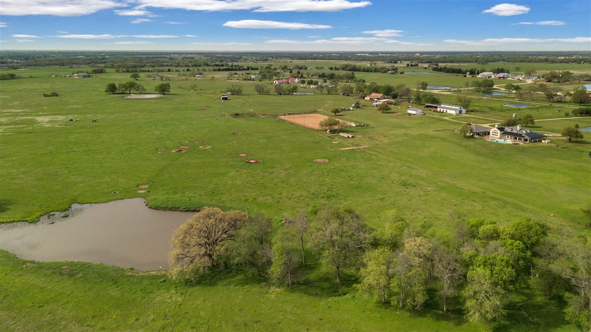 Welcome to Stonewater Ranch luxury homes