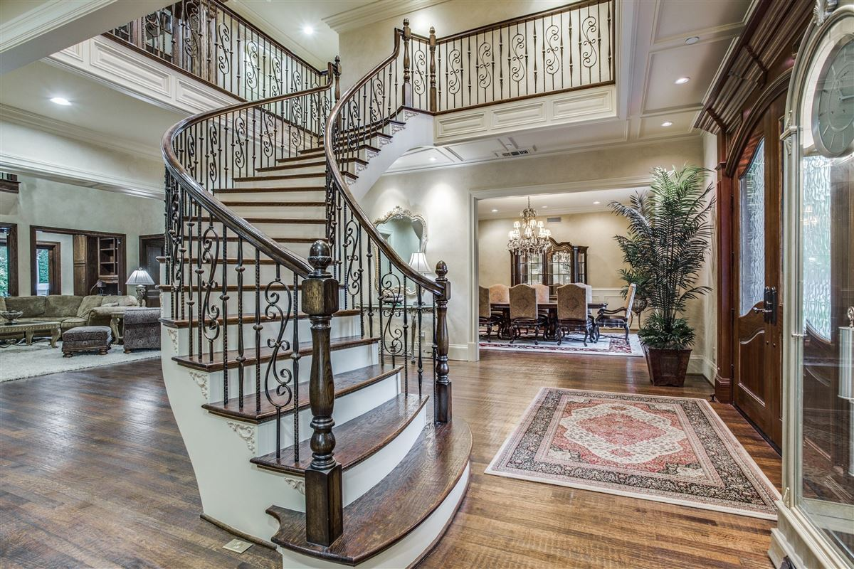 Luxury homes Exquisite Willow Bend Country gated estate