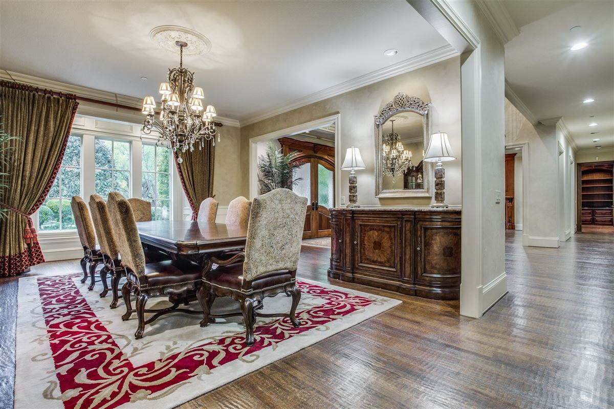 Luxury real estate Exquisite Willow Bend Country gated estate