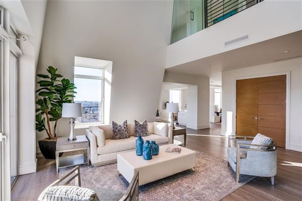 Luxury homes penthouse in the luxury Vendome high-rise