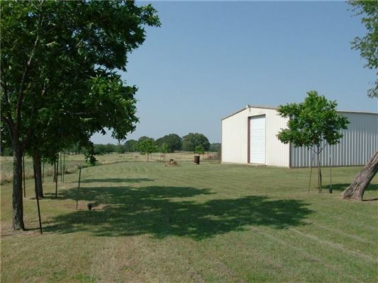Mansions in Gorgeous 236 acre ranch - build a dream home