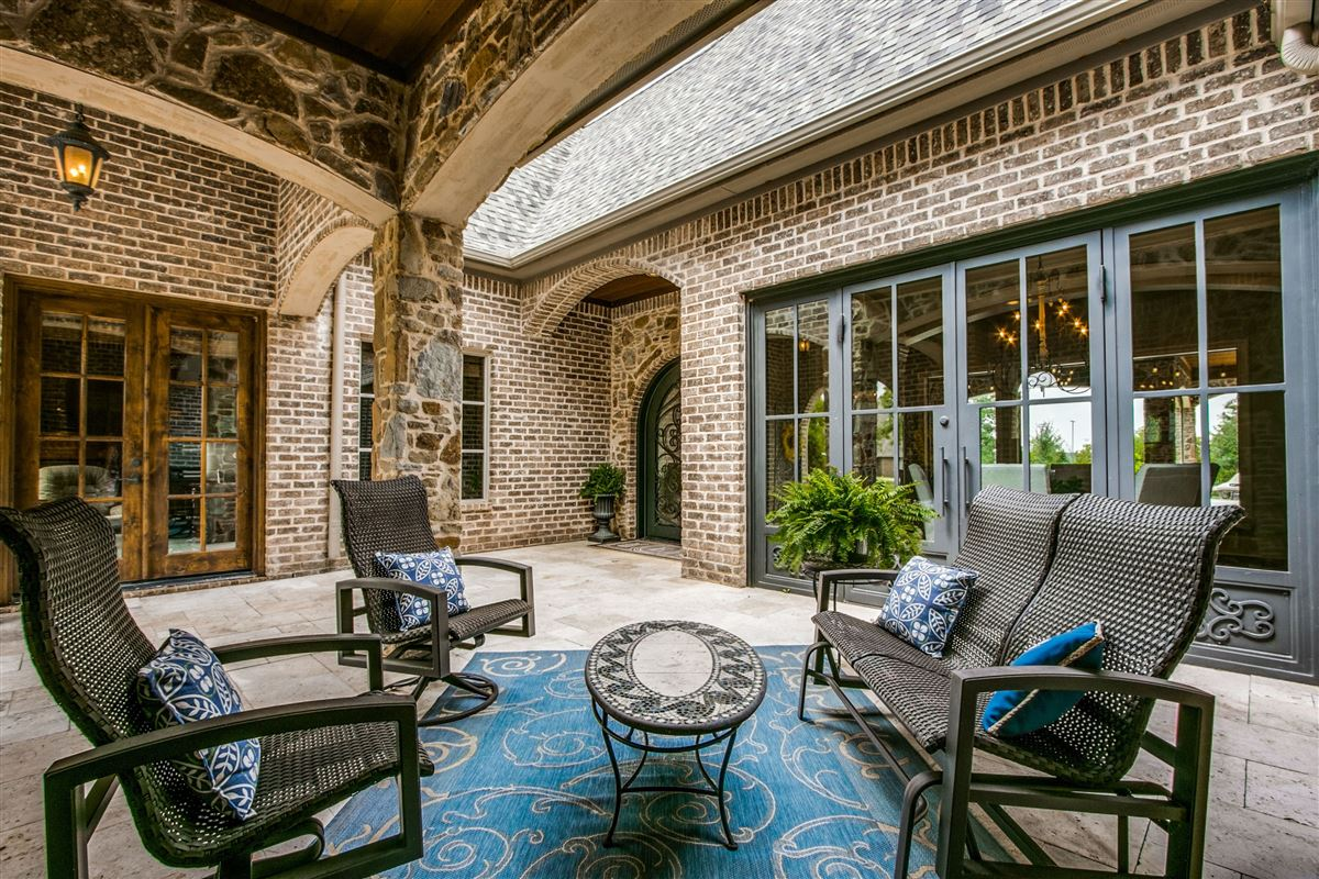 Luxury homes Multigenerational one story home sitting on one acre