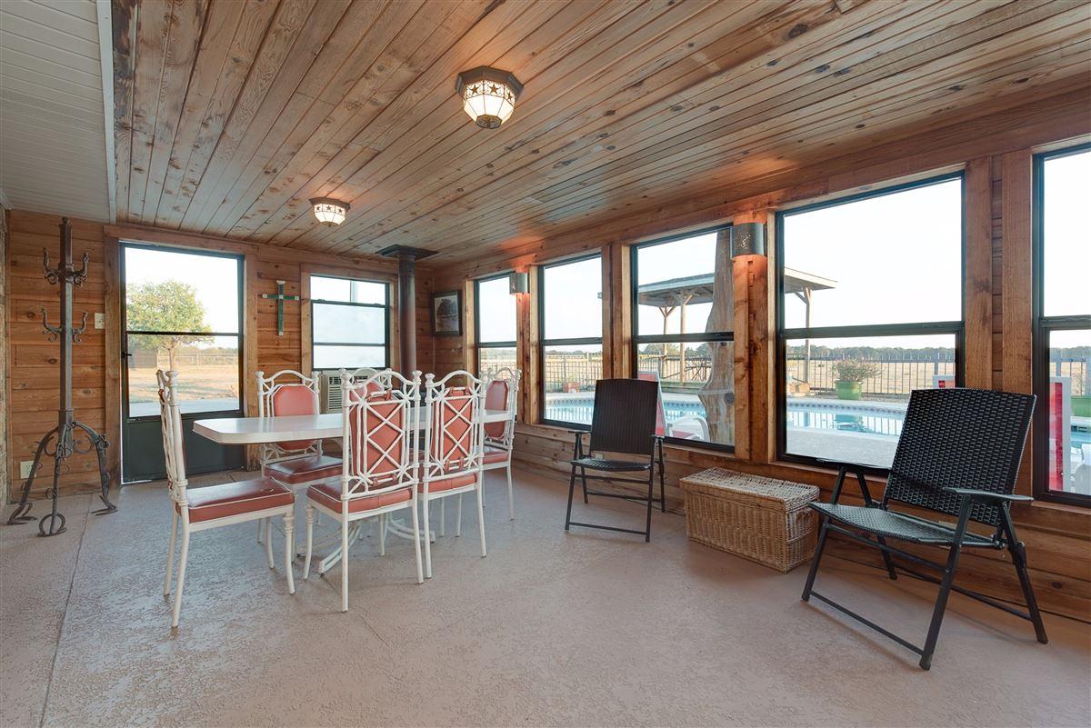 Luxury properties 72-acre Equestrian ranch