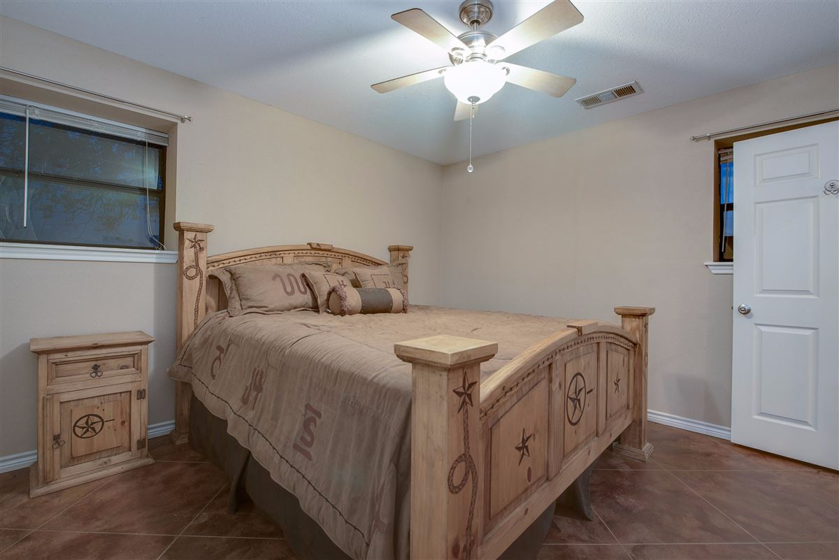 Luxury homes 72-acre Equestrian ranch