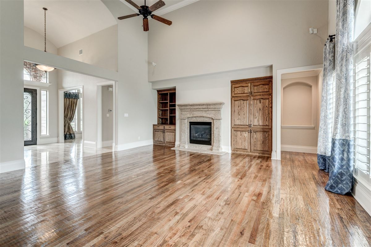 Luxury properties Well-maintained southlake home