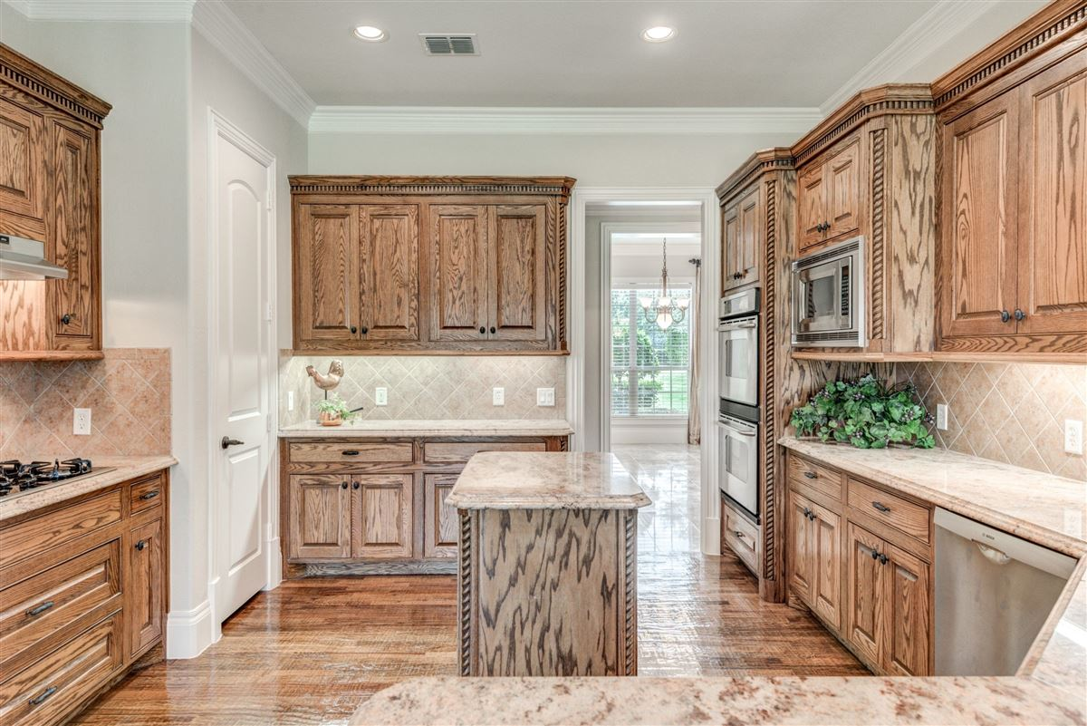 Well-maintained southlake home luxury properties