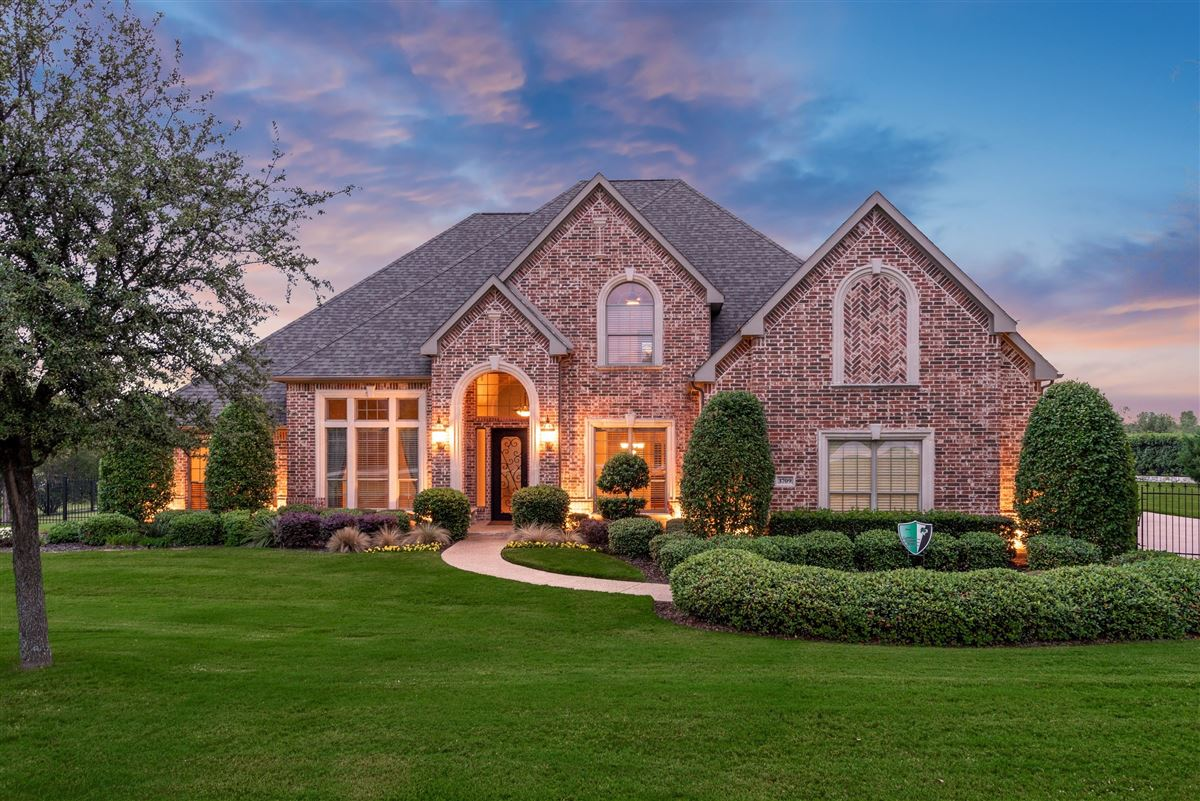Well-maintained southlake home mansions