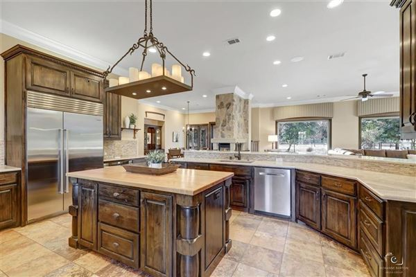 Mansions Rare Southlake estate on nearly six acres