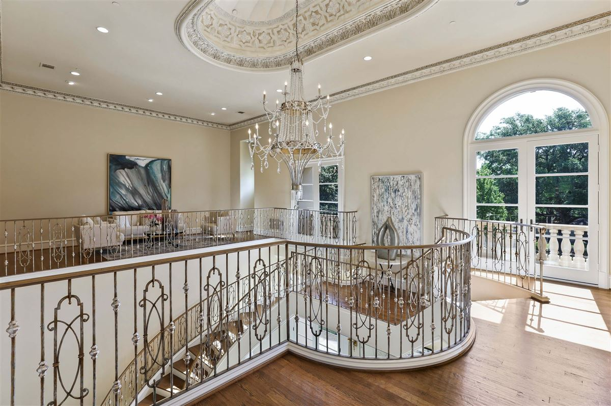 Italian Renaissance one-acre masterpiece luxury real estate