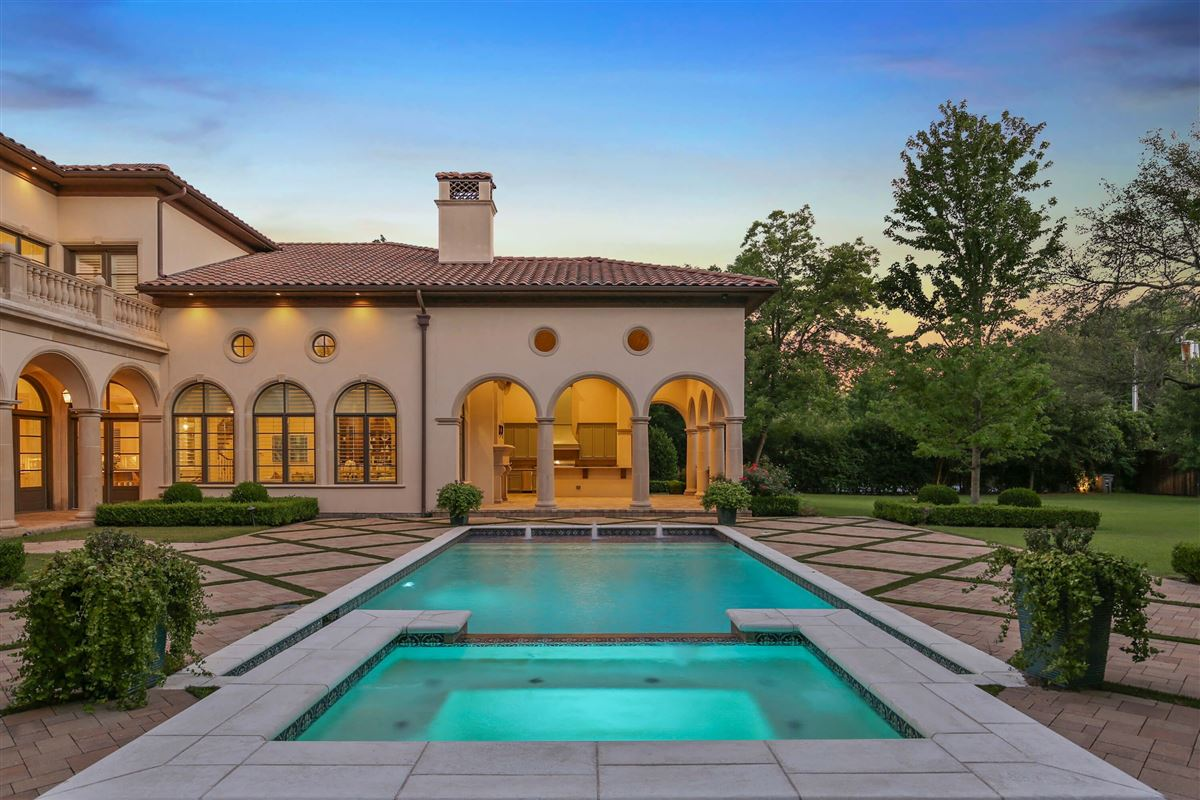 Luxury homes Italian Renaissance one-acre masterpiece