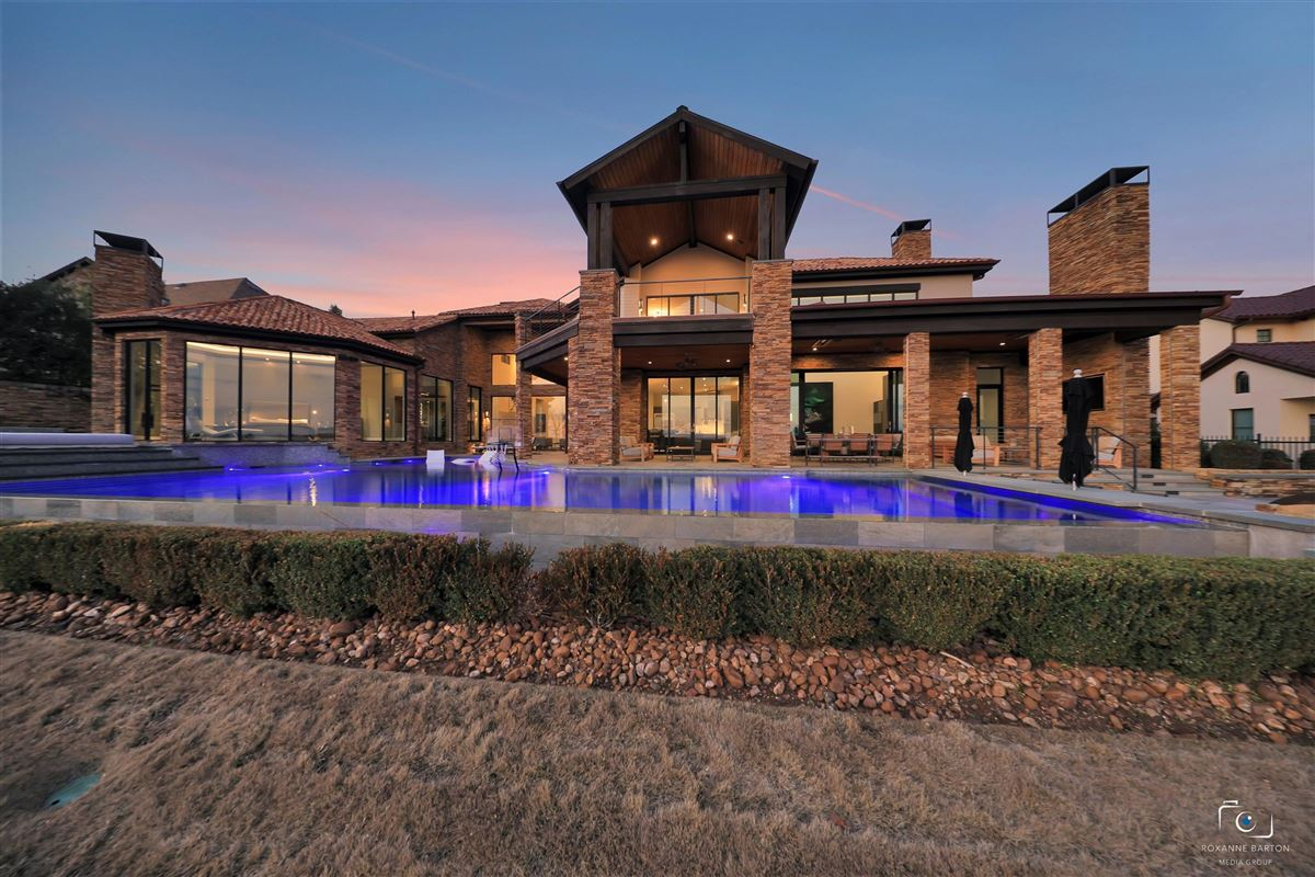 Luxury real estate MODERN ESTATE overlooking  Vaquero golf course