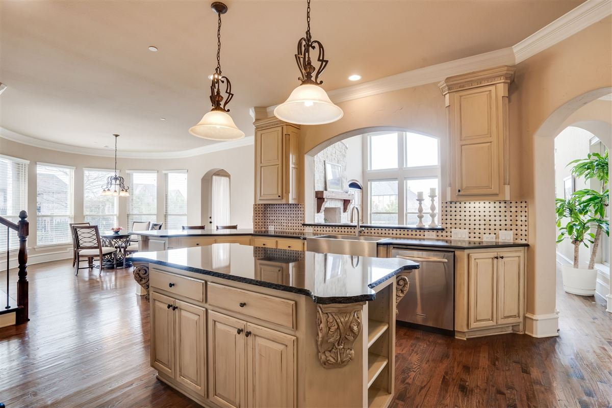 Luxury properties beautiful home in The Shores at Waterstone