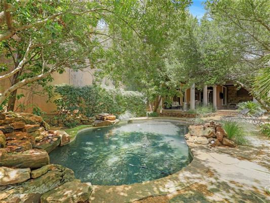 Luxury homes in a one-of-a-kind in the heart of Preston Hollow