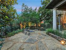 Luxury properties a one-of-a-kind in the heart of Preston Hollow