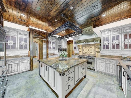 Luxury homes a one-of-a-kind in the heart of Preston Hollow