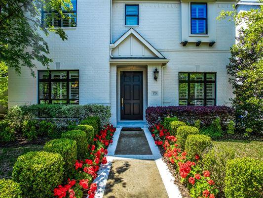 Impressive custom estate luxury homes