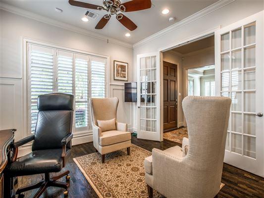 Luxury properties Impressive custom estate