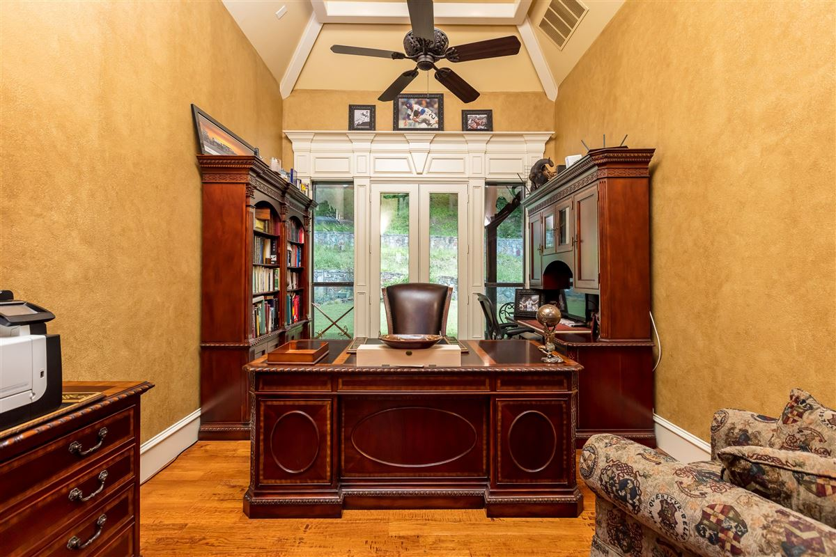 Luxury real estate Live in Tuscan Style elegance