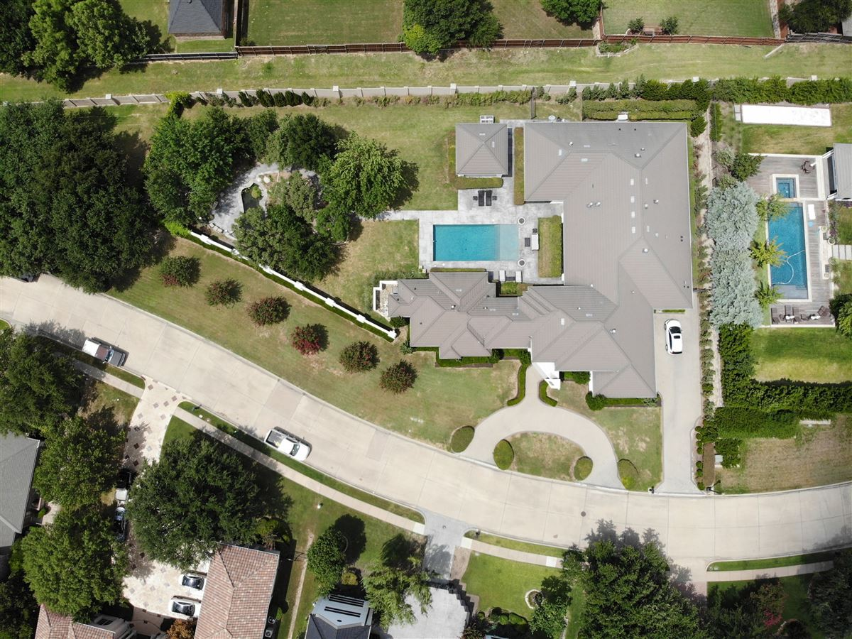 contemporary custom home in prestigious TExas Stonebriar luxury real estate