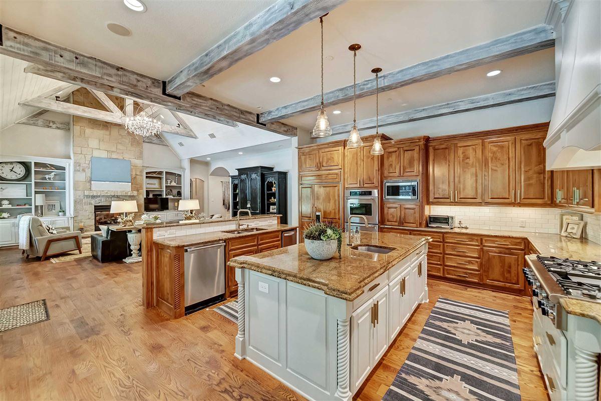 Luxury properties Rare opportunity in Timarron
