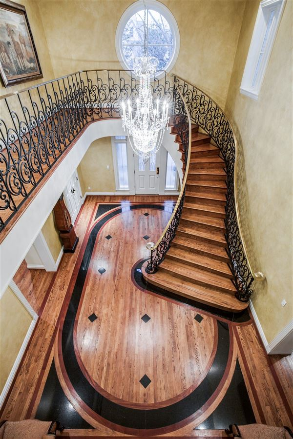 Timeless Elegance in Old Preston Hollow luxury properties