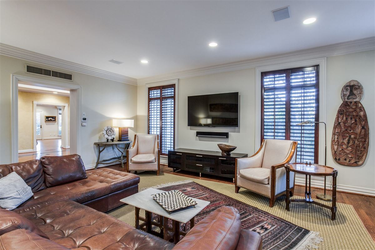 Mansions in Timeless Elegance in Old Preston Hollow