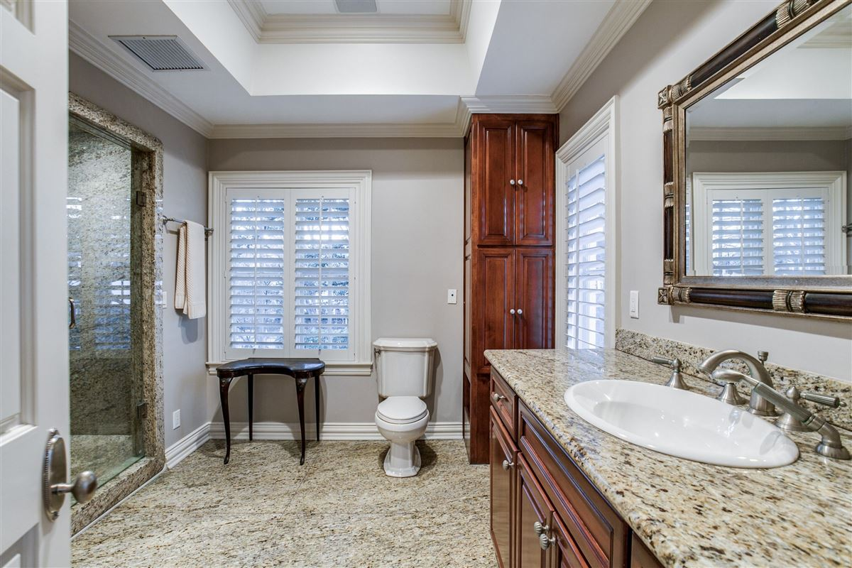 Mansions Timeless Elegance in Old Preston Hollow