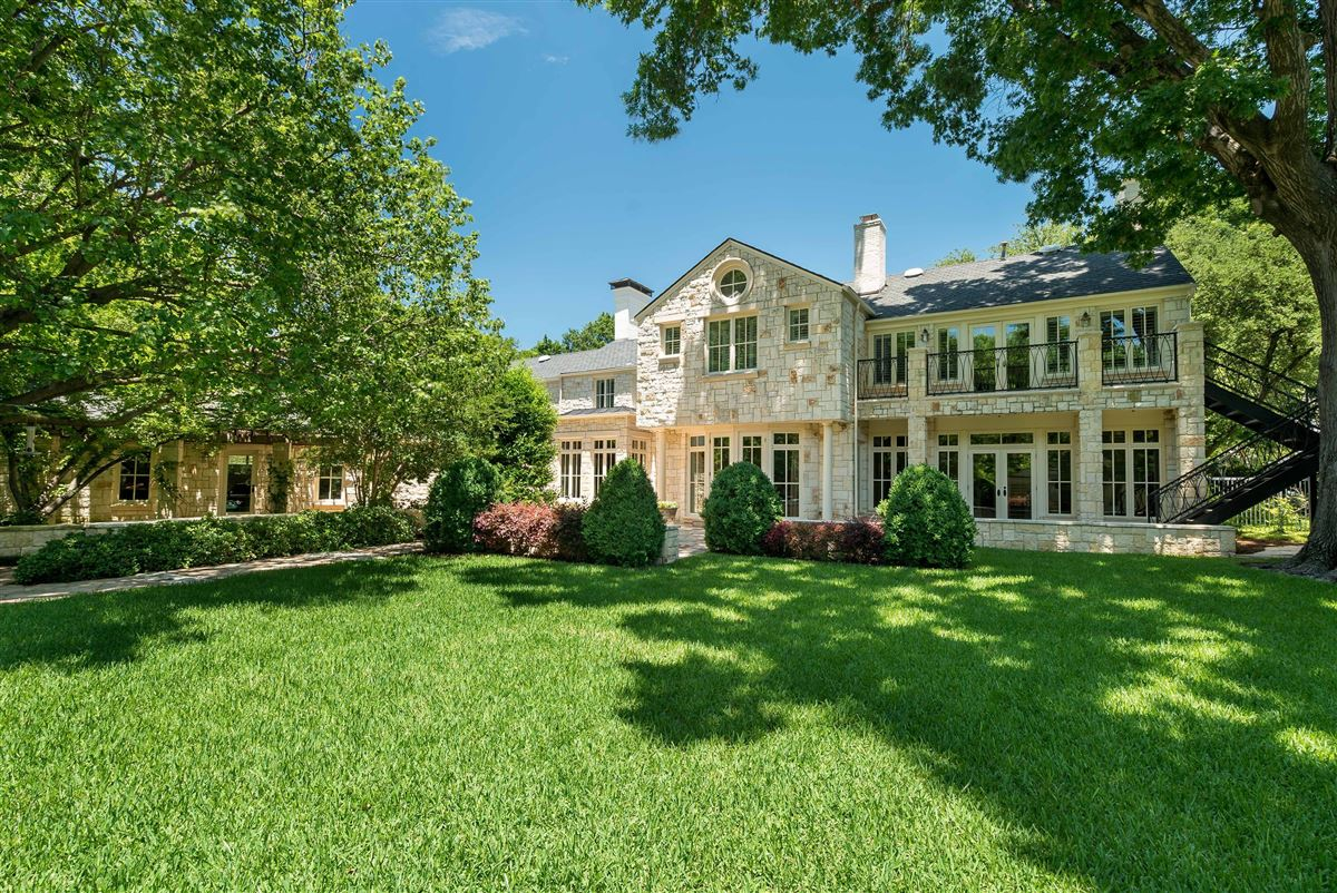 Luxury real estate Timeless Elegance in Old Preston Hollow