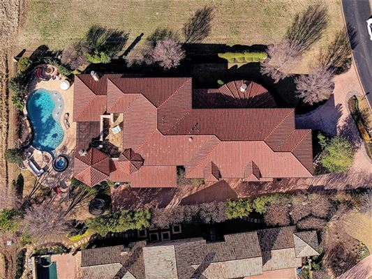 Luxury homes Stunning VAQUERO Golf course estate