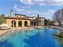 Luxury homes in Stunning VAQUERO Golf course estate