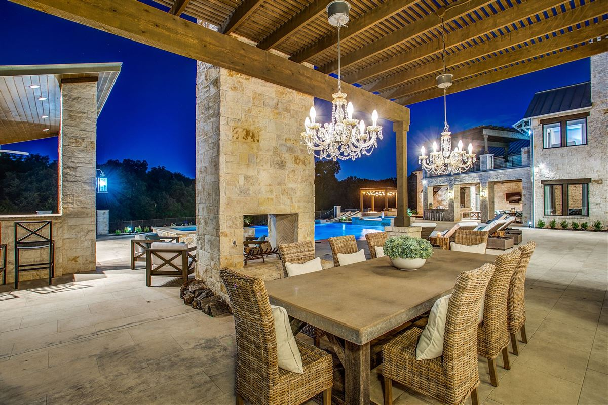 Luxury homes in Timeless Texas transitional style