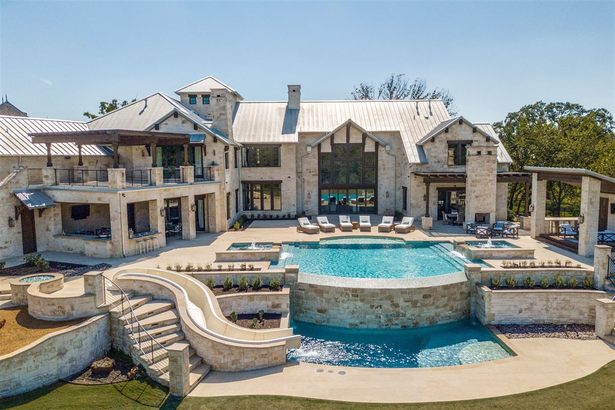 Timeless Texas transitional style luxury homes