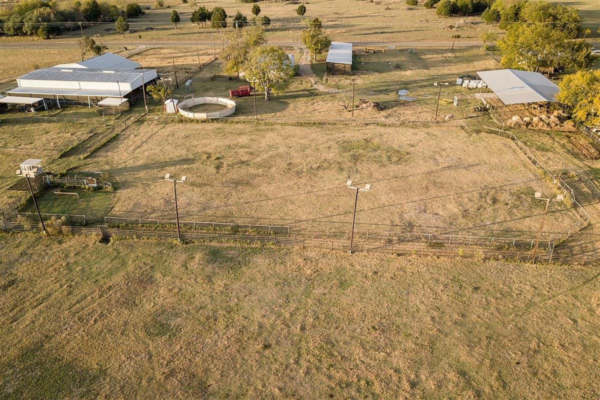 72-acre Equestrian ranch luxury homes