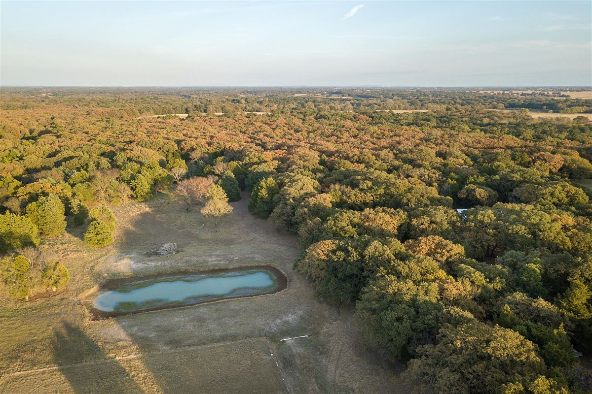Luxury real estate 72-acre Equestrian ranch