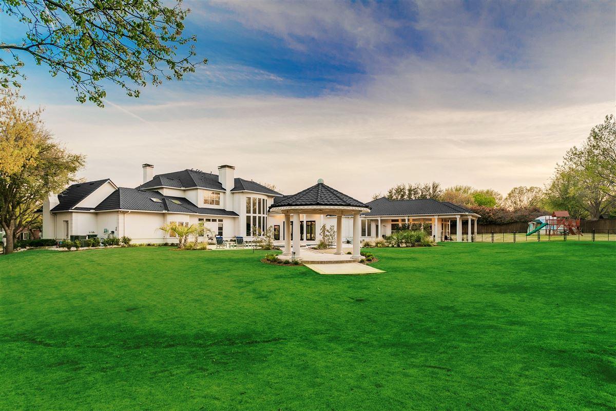 Luxury homes Modern Transitional Estate