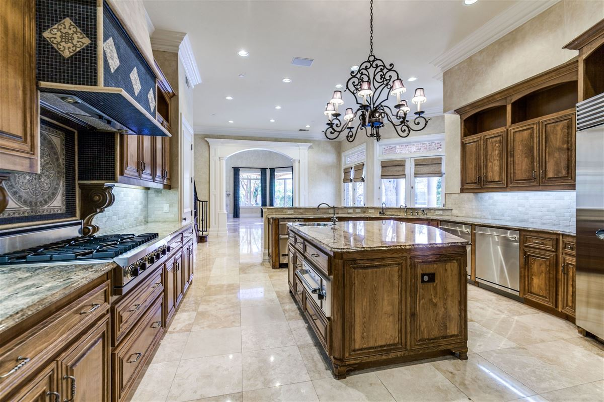 Luxury homes in Magnificent estate property