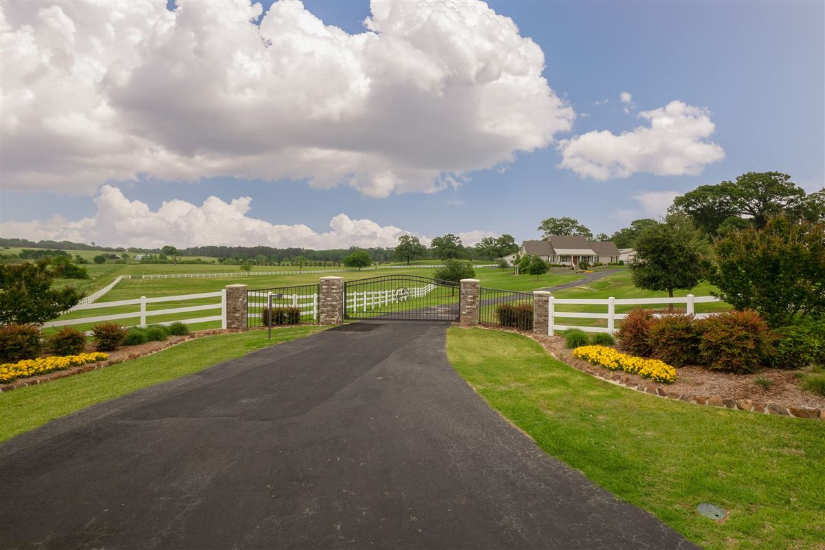 Luxury real estate 19.4 stunning acres with a horse barn