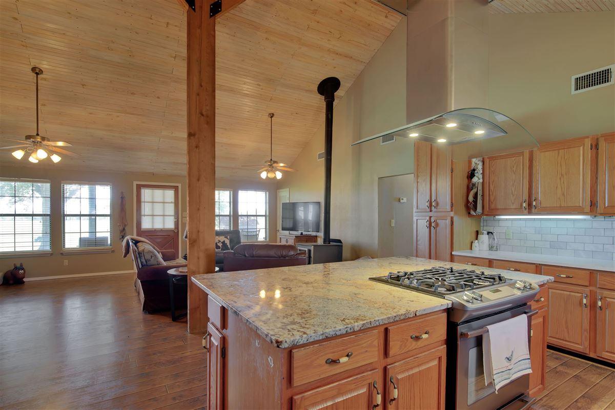 Mansions in Triple U Quarter Horse Ranch