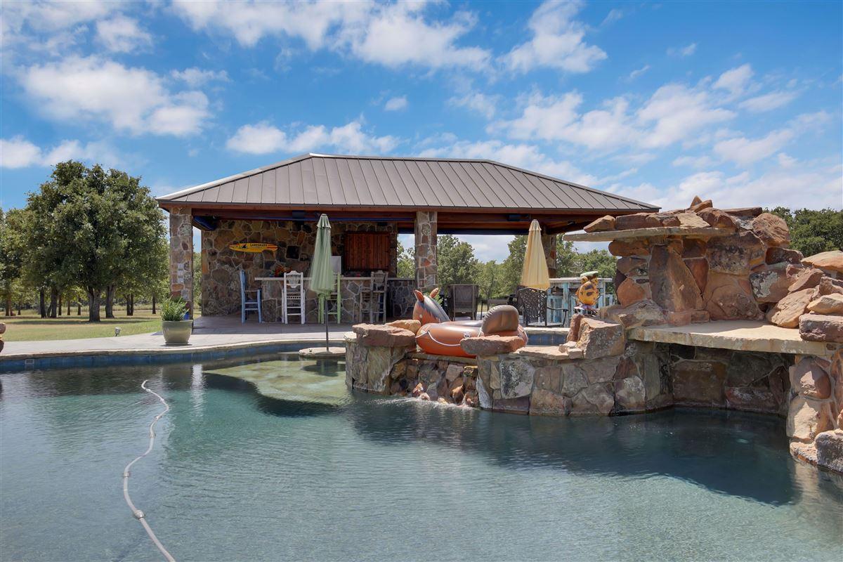 Triple U Quarter Horse Ranch luxury real estate