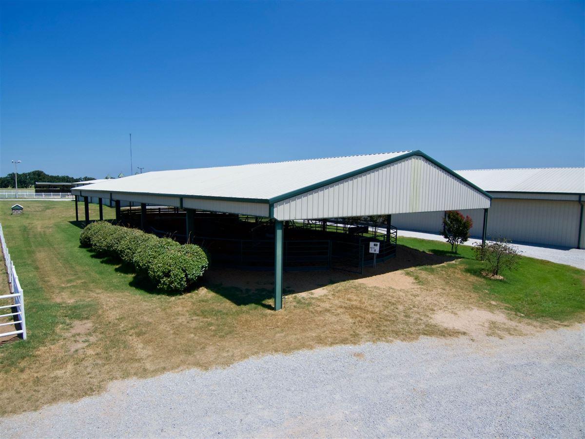 Luxury homes Triple U Quarter Horse Ranch