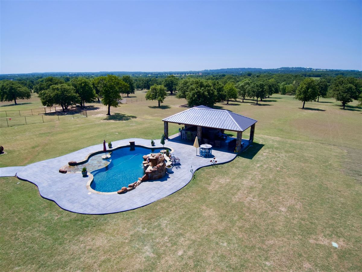 Luxury real estate Triple U Quarter Horse Ranch