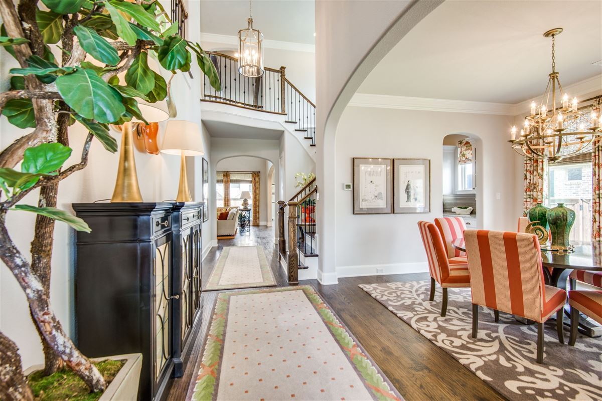 Luxury homes Gorgeous BelClaire loaded with Upgrades