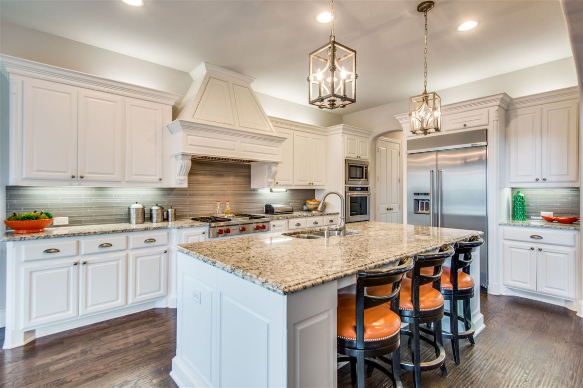 Luxury properties Gorgeous BelClaire loaded with Upgrades