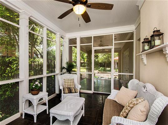 Mansions in renovated classic home in old highland park