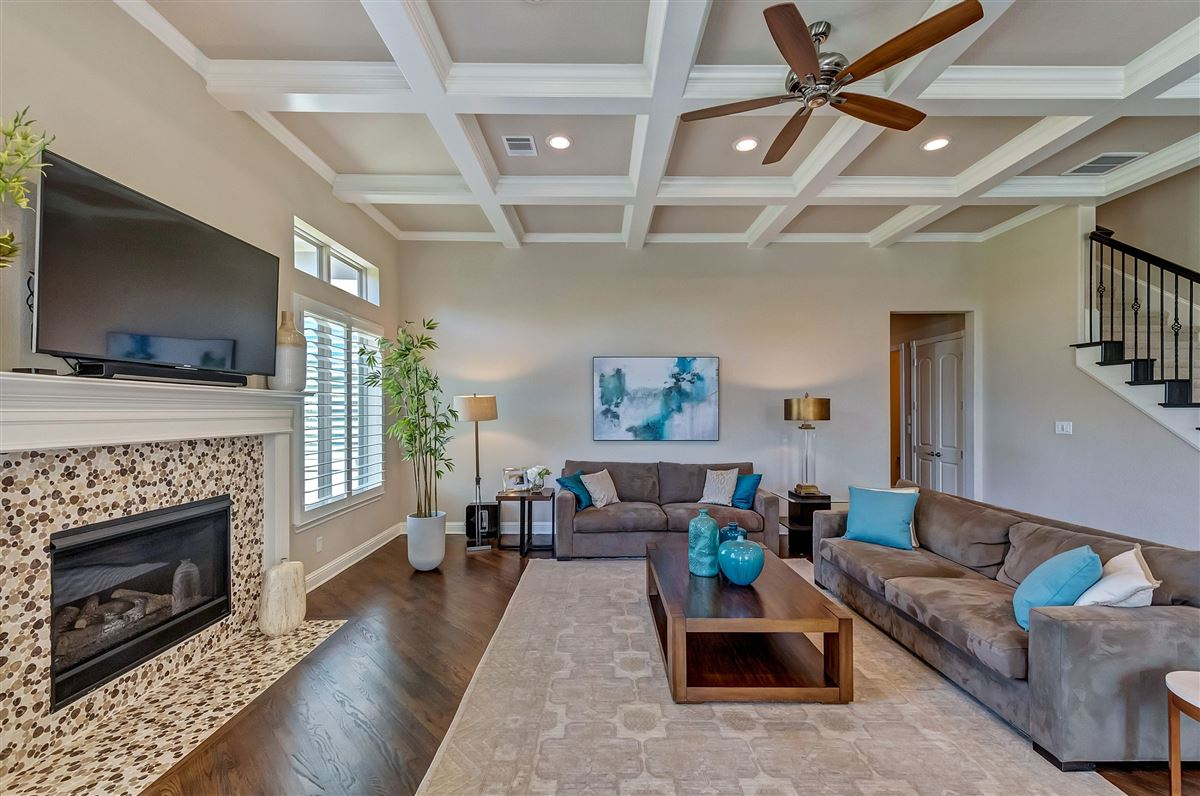 Luxury real estate beautifully maintained five bedroom
